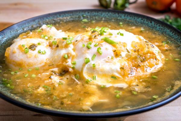 Huevos Ahogados Eggs Drowned in Salsa mexicanplease.com