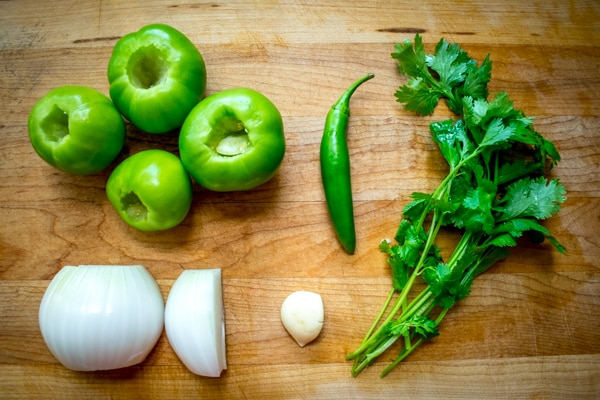 five ingredients to make salsa verde