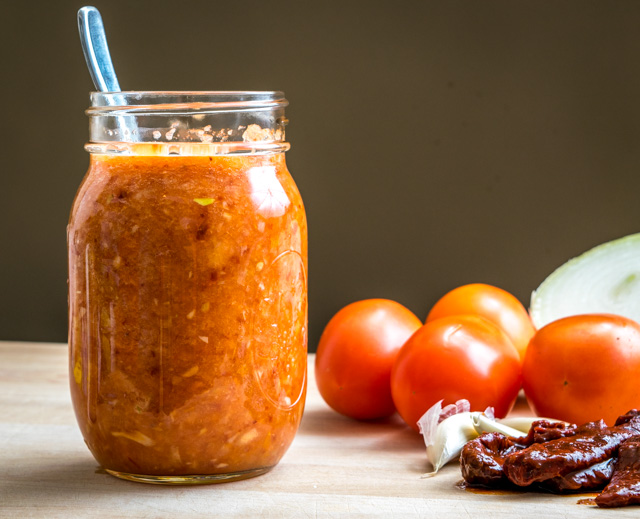 Tomato-Chipotle Salsa Step-by-Step | mexicanplease.com
