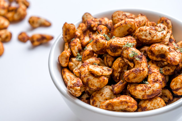 These Chili Lime Peanuts get a burst of Chili-Lime goodness from cayenne pepper and chipotle powder. I used cashews but this recipe works great for regular peanuts too. So good! mexicanplease.com