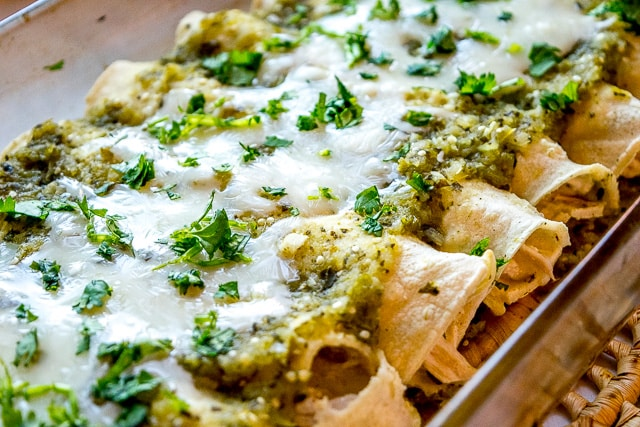 Enchiladas Suizas Chicken Enchiladas With Creamy Green Sauce Mexican Please