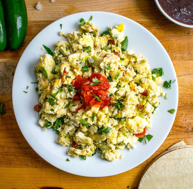 Mexican scrambled eggs huevos a la mexicana mexican please these mexican scrambled eggs are perfect for lazy weekend mornings well balanced easy fandeluxe Document