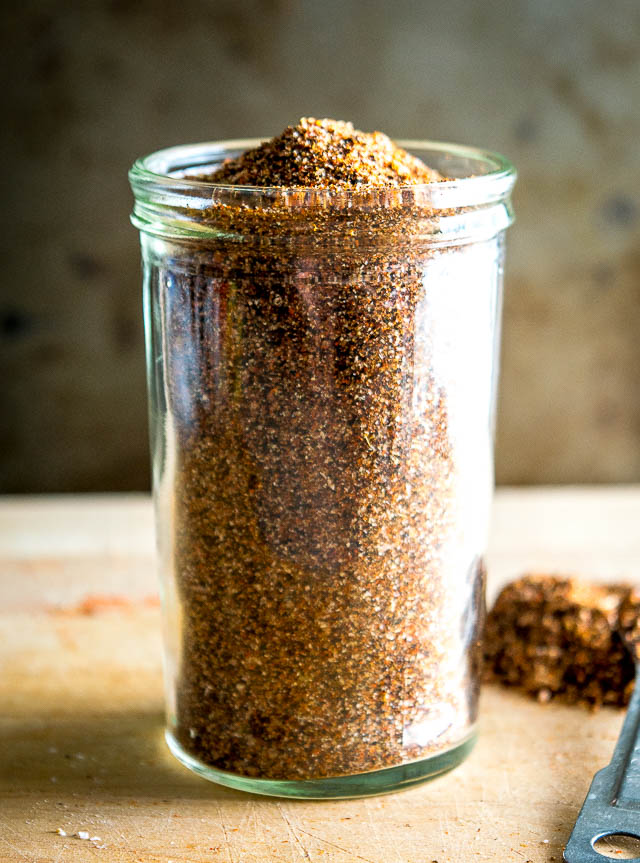 This homemade taco seasoning is designed to keep you away from the dreaded seasoning pack! It has great flavor and makes it easy to control the salt and heat levels. mexicanplease.com