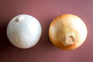 white and yellow onion difference