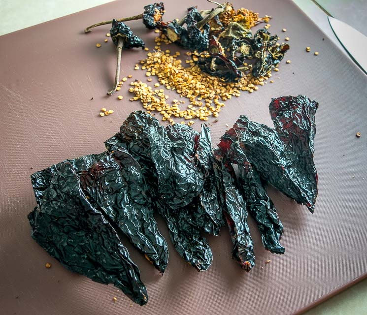 De-stemming Ancho chiles