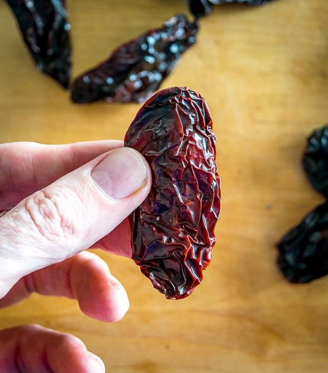 A chipotle morita chile