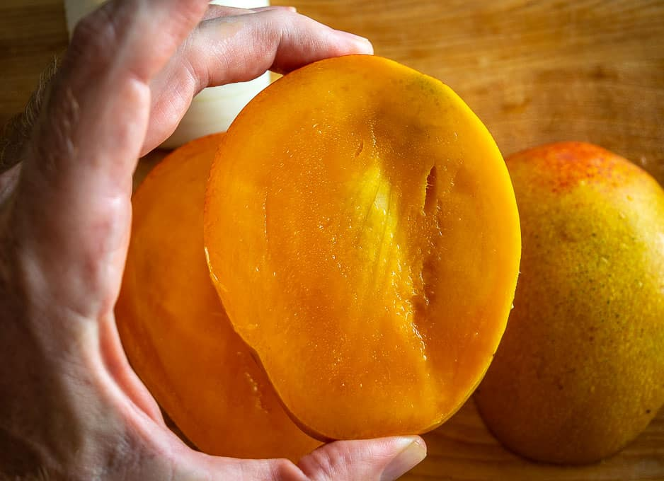 Middle sliver of the cut mango